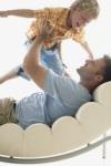 Чрезмерная родительская опека: полезна или вредна?