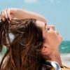 Как сохранить красоту волос летом - используйте народные средства