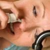 Промывание носа при гайморите: возможная альтернатива болезненному лечению