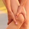 Болят колени: народные средства лечения помогут облегчить состояние