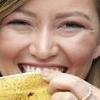 Желтый налет на зубах: не только эстетическая проблема